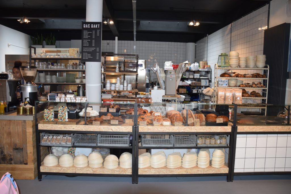 Rotterdam - Bas bakt